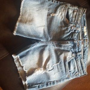 Jean shorts destructed